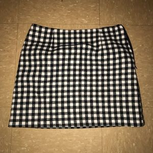 Black and cream mini skirt (gingham)